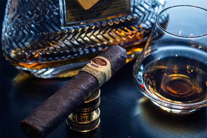 New To The Cigar Scene? Here's How To Puff Like A Seasoned Pro